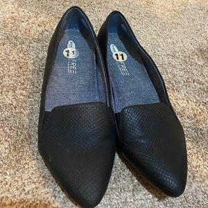 Dr Sholls black flat point shoes EUC